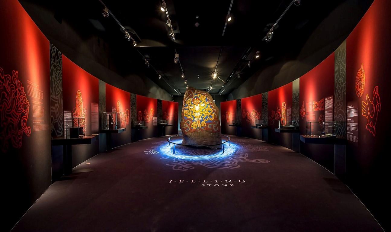 Vikingos. Guerreros del norte. Gigantes del mar. Una exposición del MARQ que recomendamos visitar.