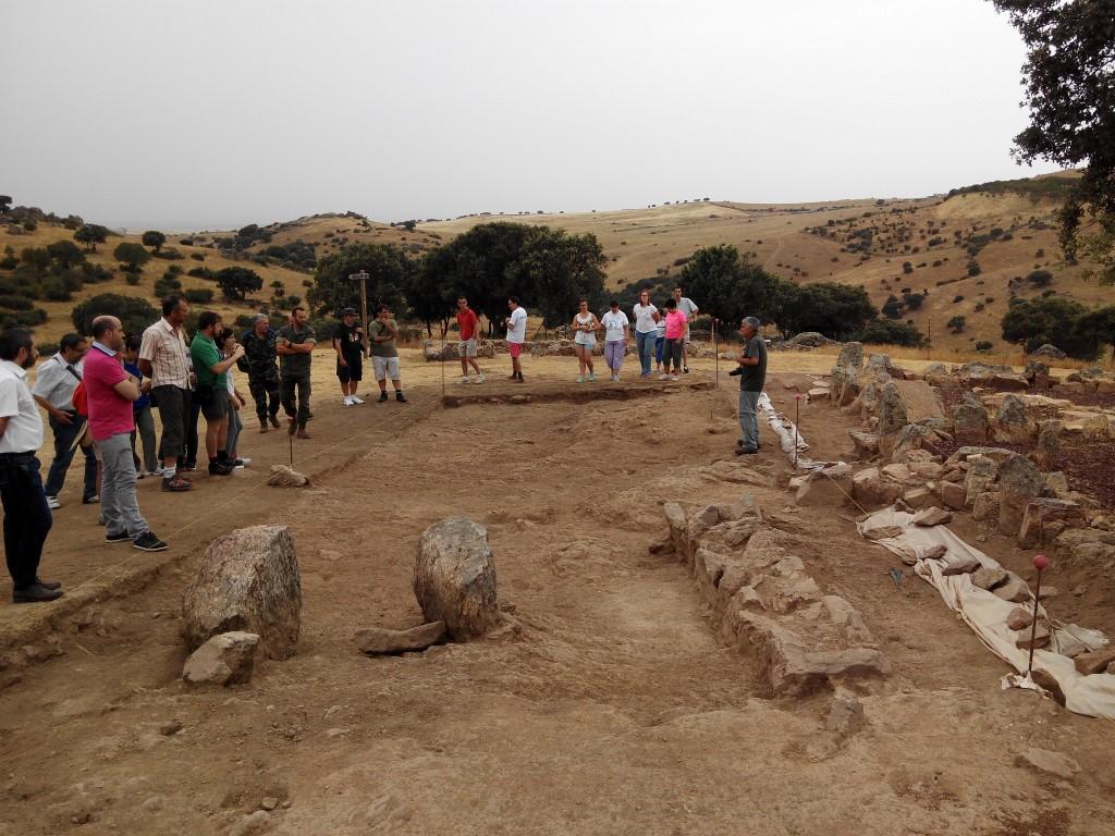 07 Navalahija Complejo E-1 y área excavada