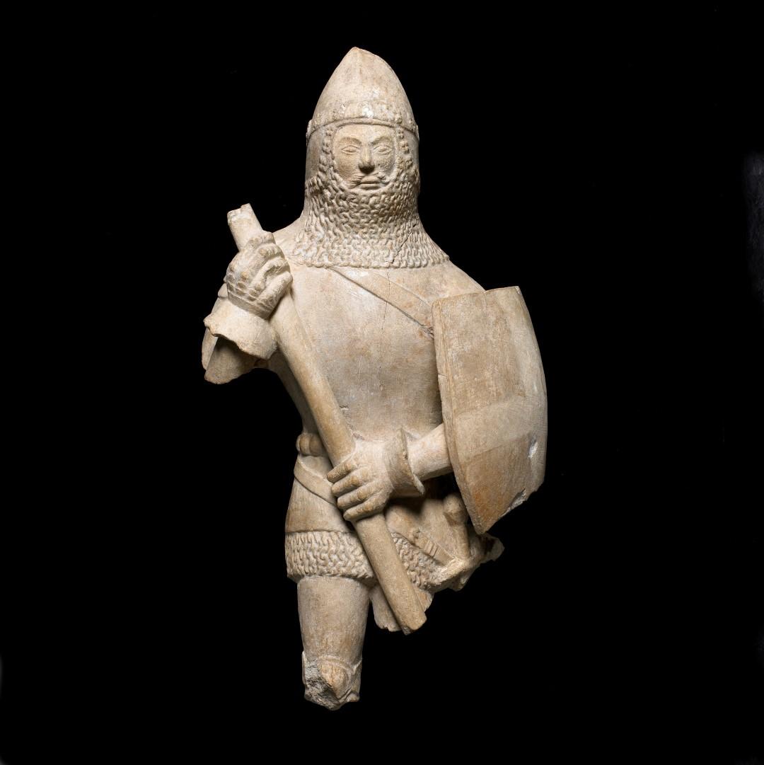 Estatuilla de un caballero 1375-1425