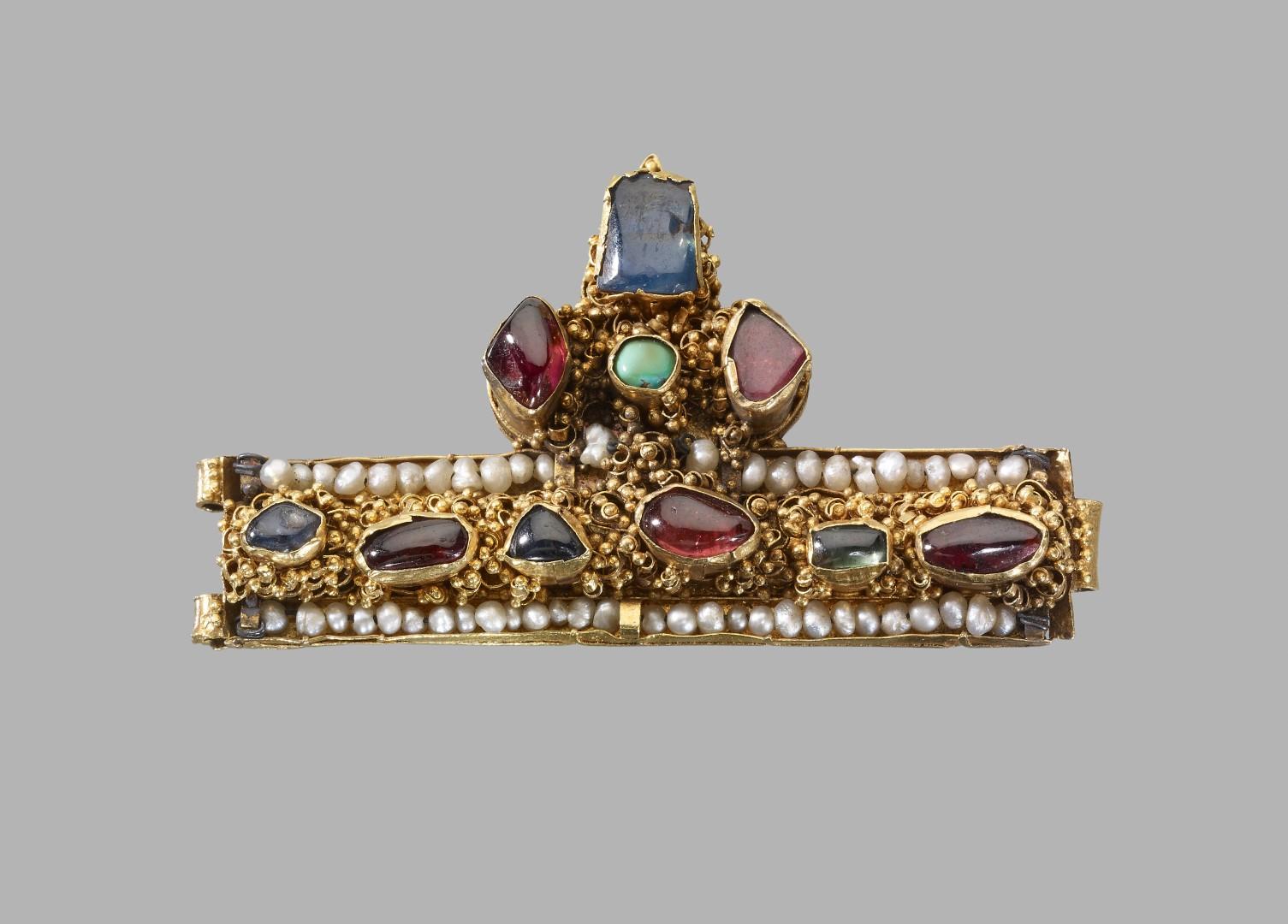 Fragmento de corona 1250-1300 Hungría o Francia.