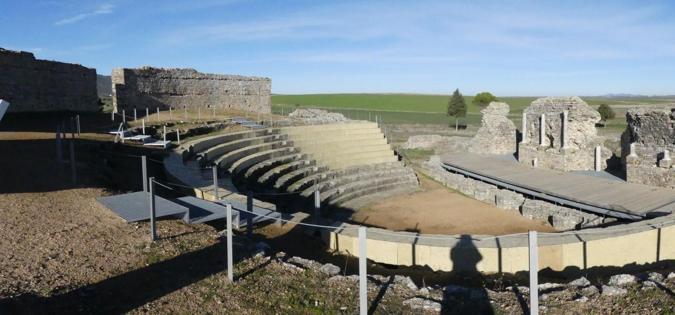 teatro-romano-de-regina-turdulorum-en-casas-de-la-reina-arqueotrip