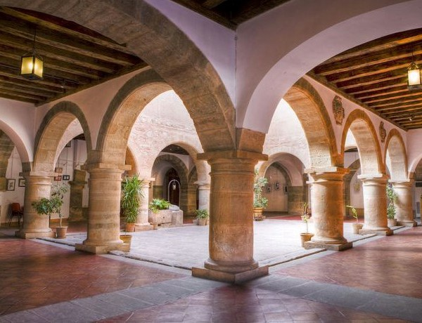 patio-alhondiga-infantes-turismo-cultural-campo-de-montiel