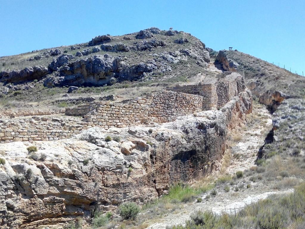 Foso y muralla celtibéricos - Fotografía ArqueoTrip ©