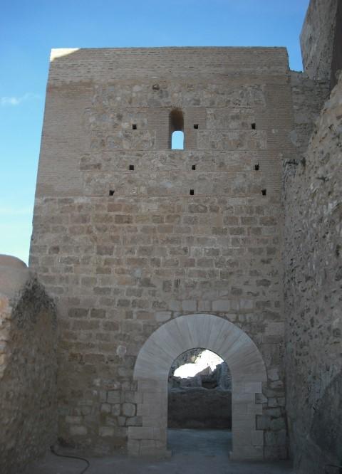 reconstrucción puerta renacentista Ayora ArqueoTrip