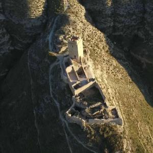 VISITA GUIADA AL CASTILLO DE CADRETE 02 ArqueoTrip