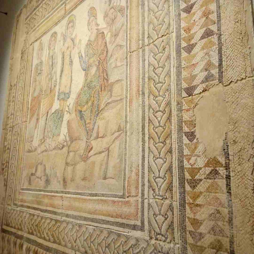 """Imagen lateral del Mosaico """"El Juicio de Paris"""" de Casariche"""
