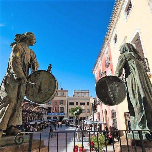 Escultura de los tamboristas de Mula