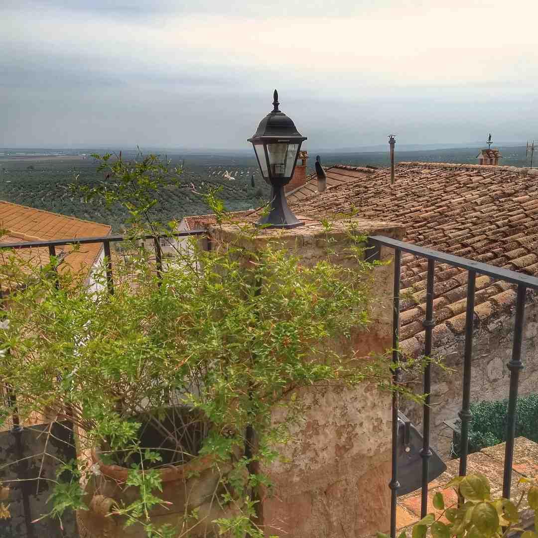 Terraza del restaurante Palacio de los Guzmanes de Baños de la Encina