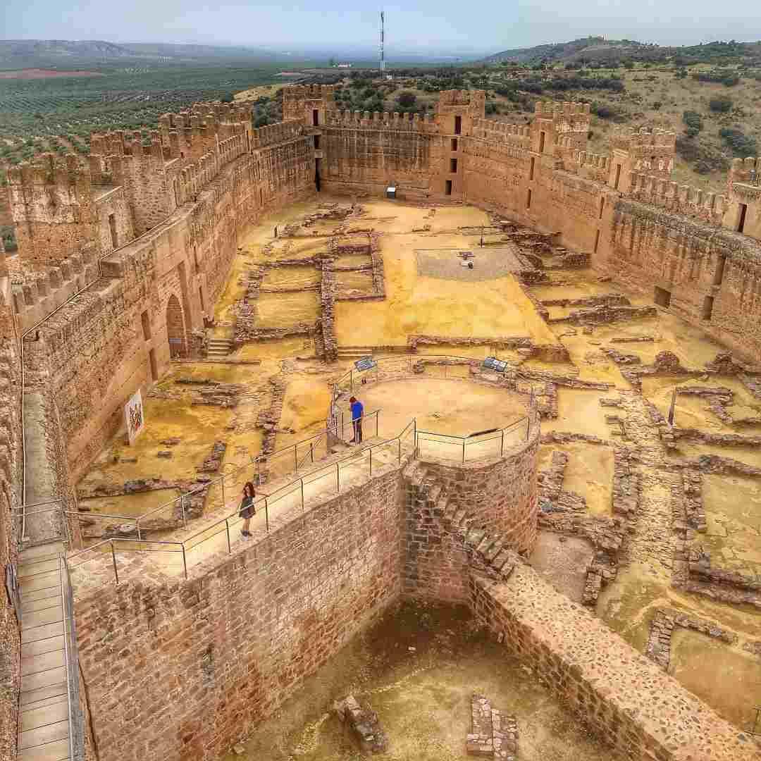 Castillo de Baños de la Encina en Jaén