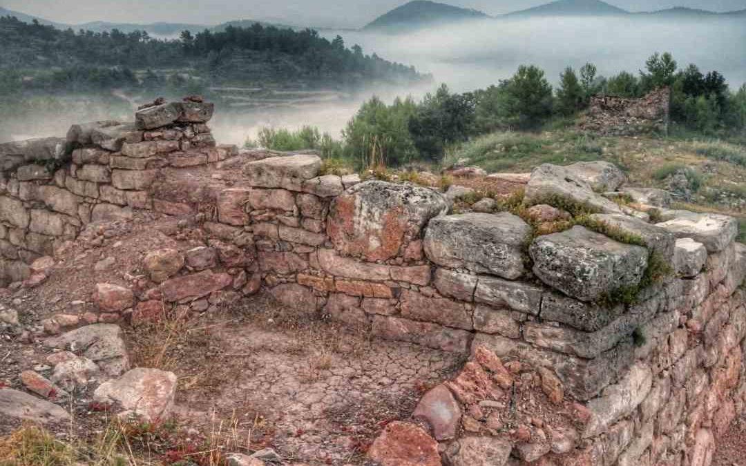 ¿Cómo visitar el yacimiento arqueológico de El Torrejón en Gátova? Guía útil.