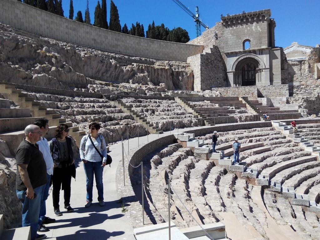 Es un lujo contar con Santiago en la visita al Teatro. Trabajó como arqueólogo en este proyecto y te permite conocer aspectos excepcionales del mismo – Fotografía ArqueoTrip ©