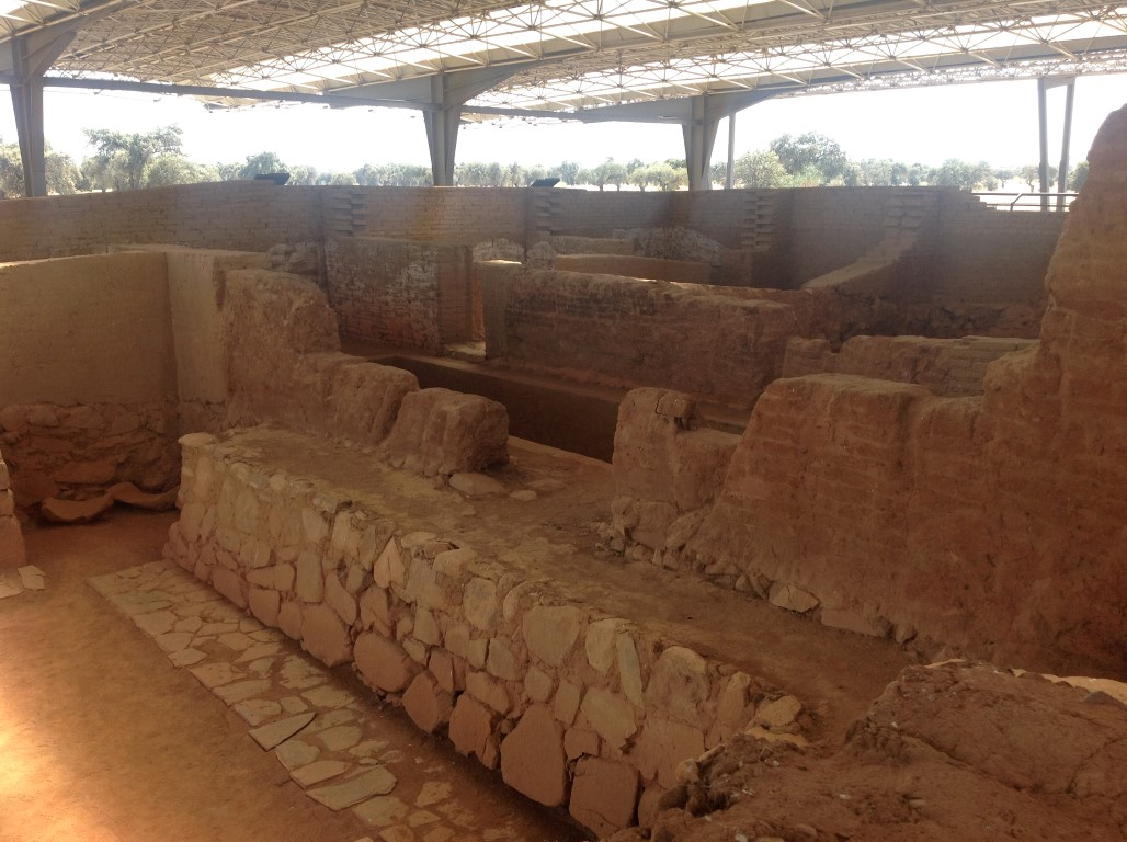 cancho-roano-excepcional-estado-de-conservacion-arqueotrip