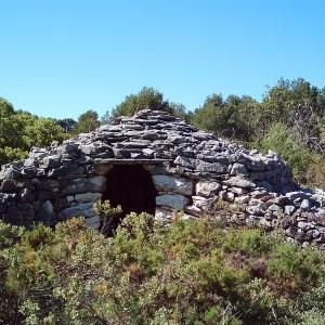 Chozo de arquitectura de piedra seca