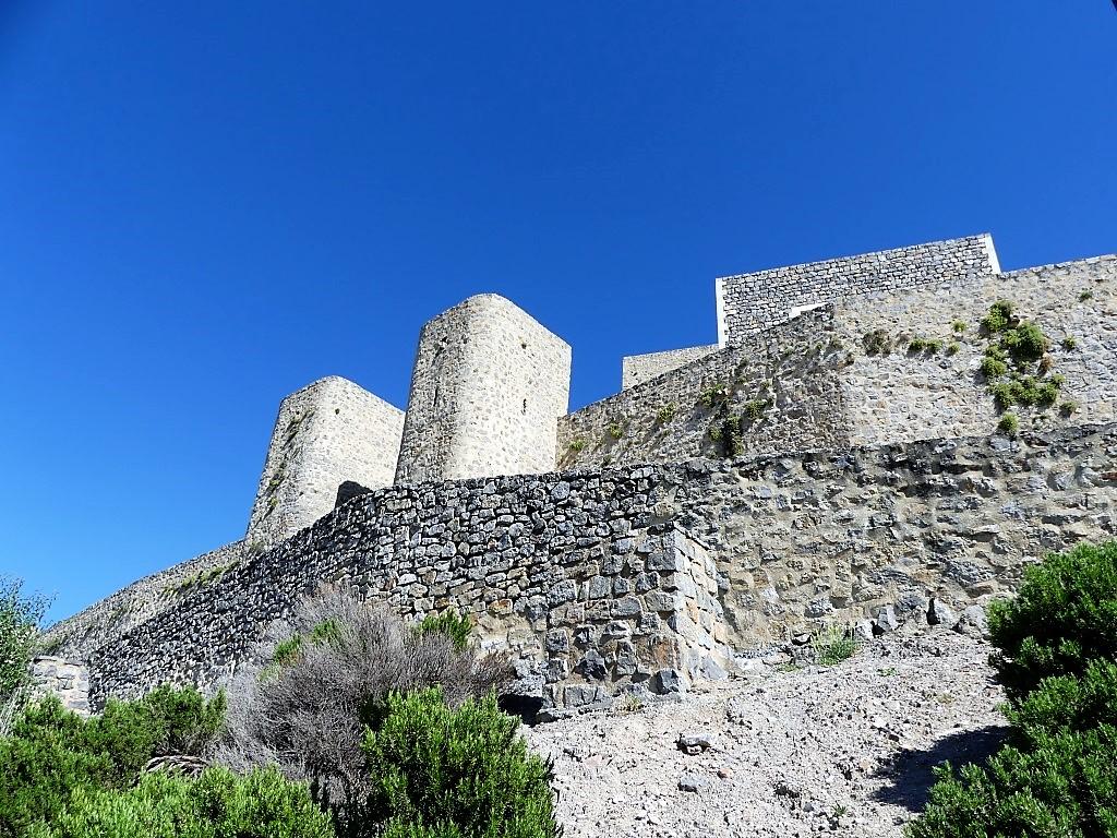 Fortaleza de la Mota, iglesia abacial y zona urbana - Fotografía ArqueoTrip ©