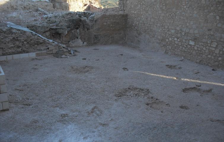 patio palaciego Castillo Ayora ArqueoTrip