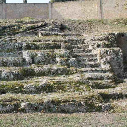 Gradas teatro romano de Osuna