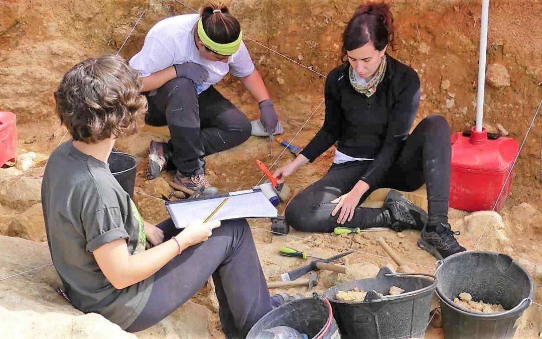 Valle de los Neandertales ArqueoTrip 00