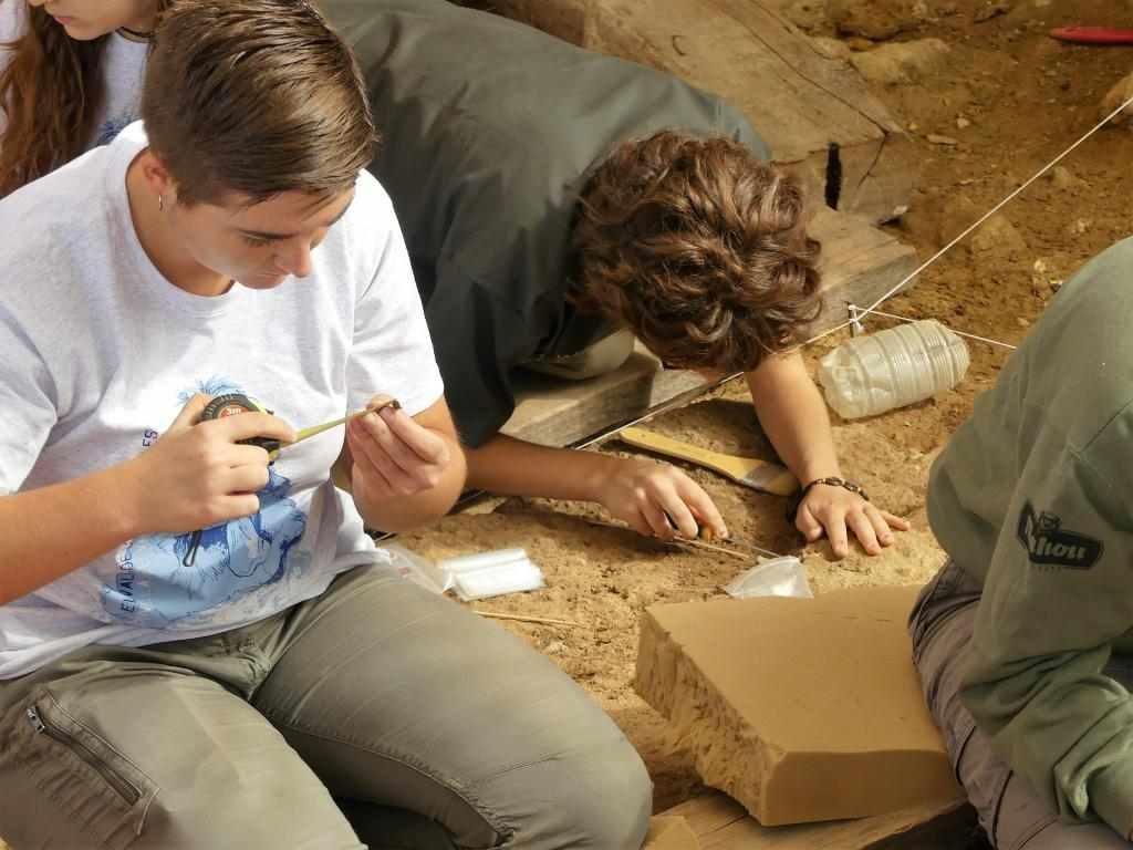 Valle de los Neandertales ArqueoTrip 08