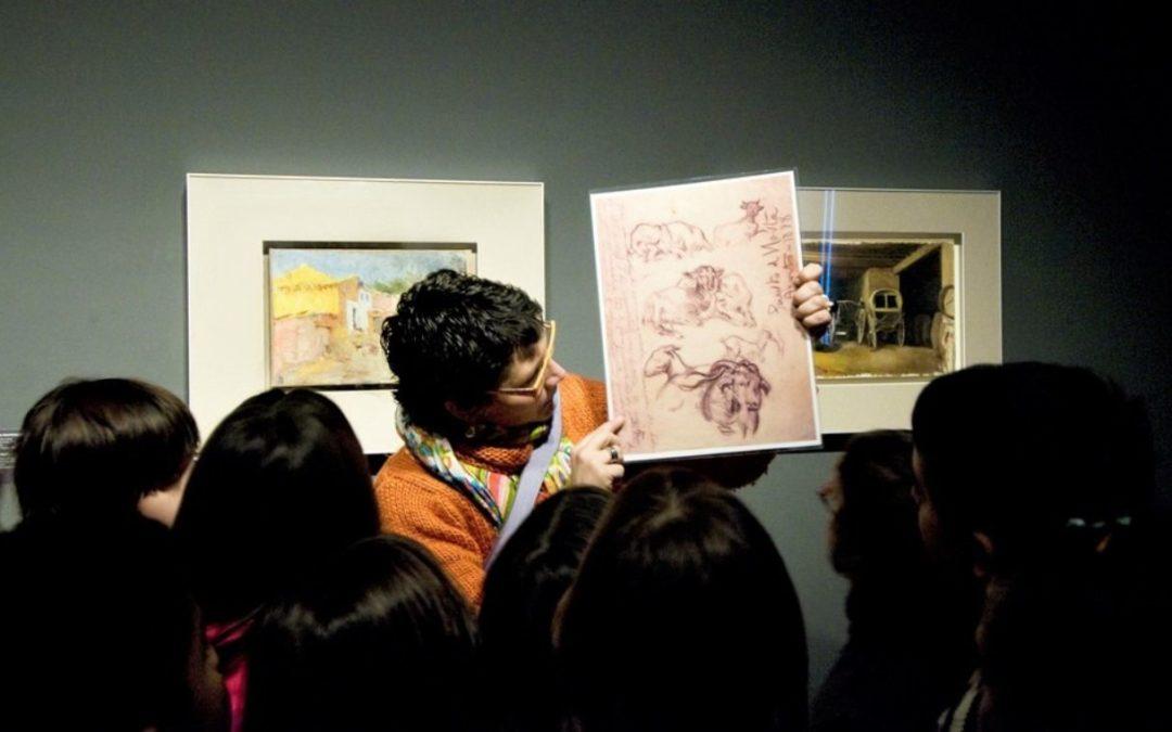 Núria Pujol guía oficial y edicadora de museos