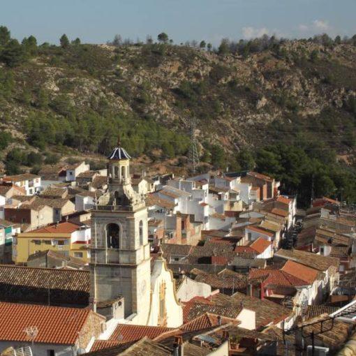 Iglesia y casa de Bolbaite
