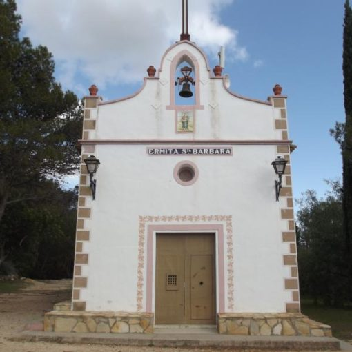 Fachada de la Ermita de Santa Bárbara de Bolbaite