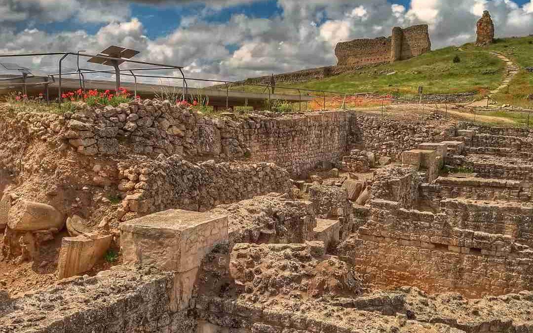 ¿Cómo visitar la Ciudad Romana de Valeria? Guía útil.