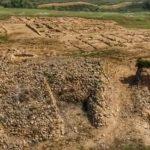 ¿Cómo visitar el yacimiento tartésico de Tejada la Vieja en Escacena del Campo? Guía útil.