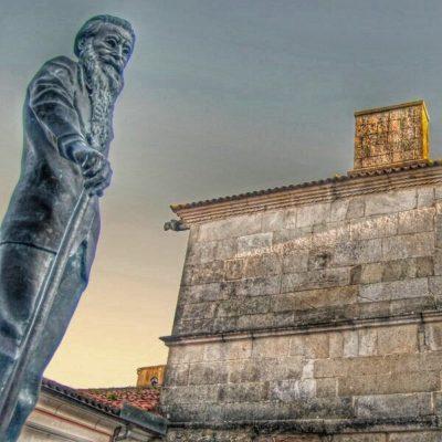 Estatua de Valle-Inclán